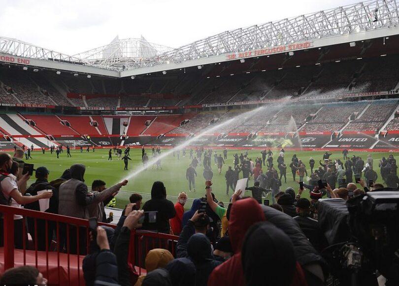 42478702 9534959 These were the extraordinary scenes inside the stadium as protes a 124 1619966100636 962x620 1 - Onze d'Afrik - L'actualité du football