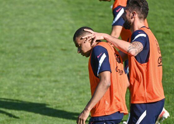 Mbappe et Giroud 1045142 - Onze d'Afrik - L'actualité du football