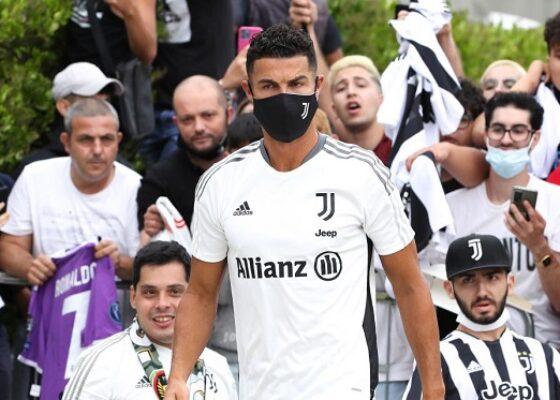 1200 L juventus turin l avenir de cristiano ronaldo dfinitivement rgl par allegri - Onze d'Afrik - L'actualité du football